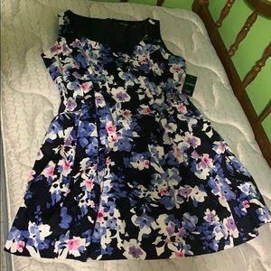 NWT Ralph Lauren flowered dress with POCKETS!